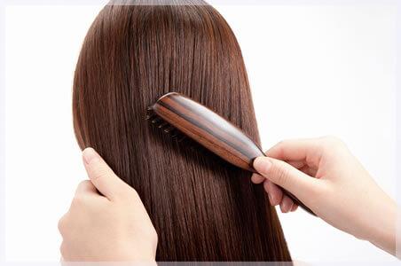 20代から薄毛に悩む人も。自分の生活を見直してみると、そこに原因が!