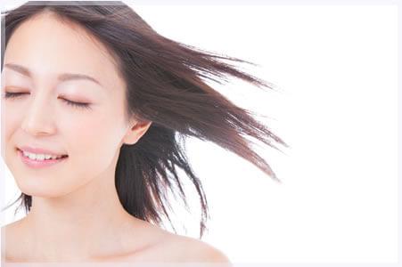 男性の薄毛は部分的だけれども、女性の薄毛は全体の量が減ってしまう?!