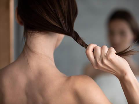 【医師監修】女性の薄毛の原因と改善方法について